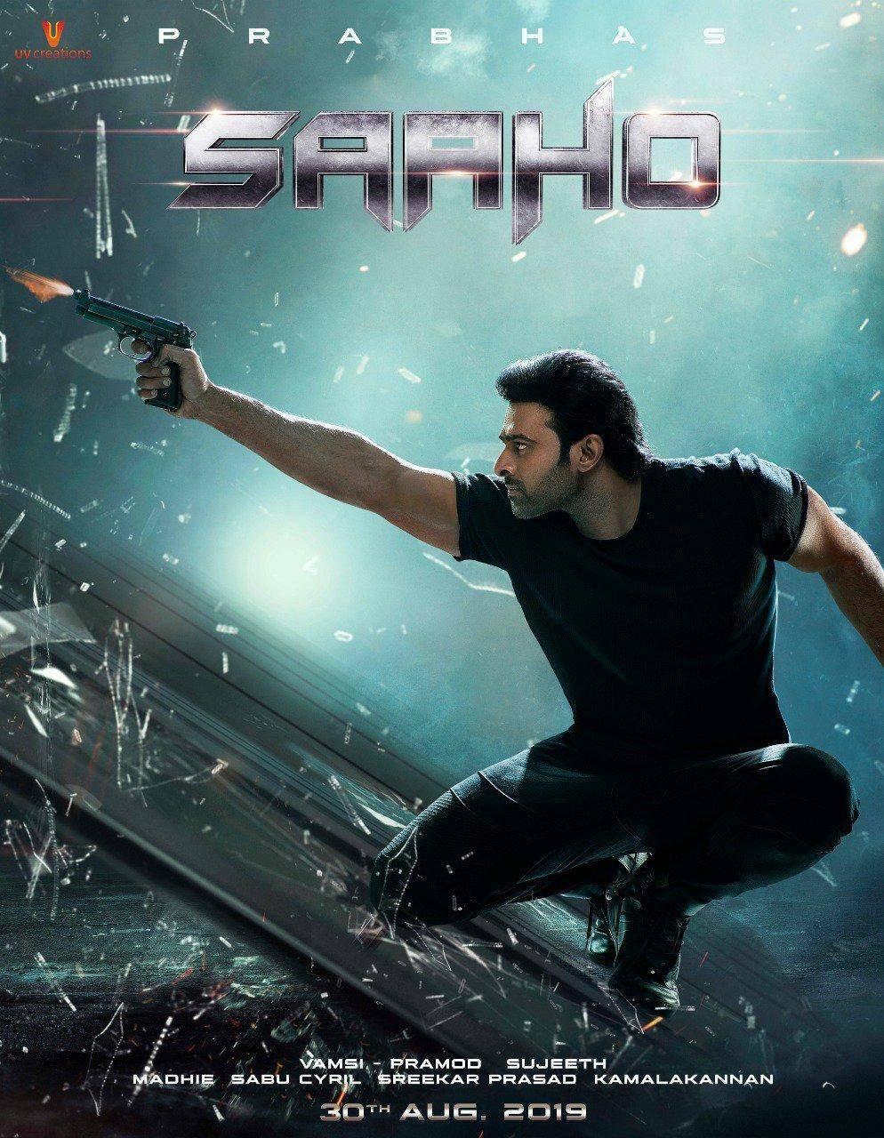 फिल्म साहो के रिलीज से पहले रिलीज हुआ धमाकेदार पोस्टर, किलर लुक में दिखें प्रभास और श्रद्धा!