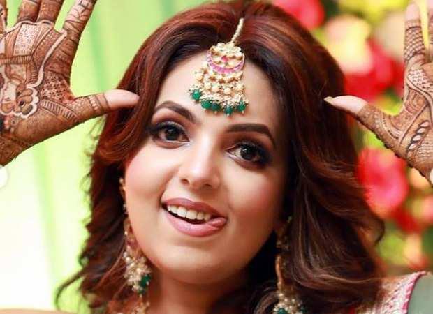 सुगंधा मिश्रा और संकेत भोसले की शादी ले लिए 10 किलो भारी लहंगा पहन मंडप में पहुची यह अभिनेत्री