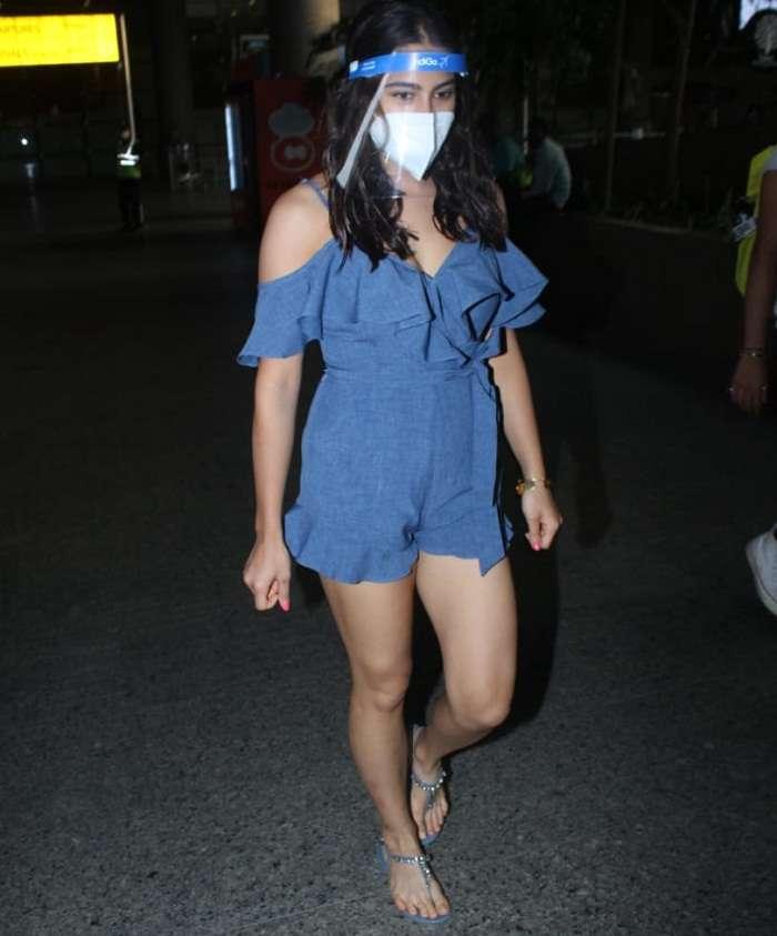 सारा अली खान एयरपोर्ट पर बोल्ड अंदाज में आईं नजर, देखे तस्वीरे