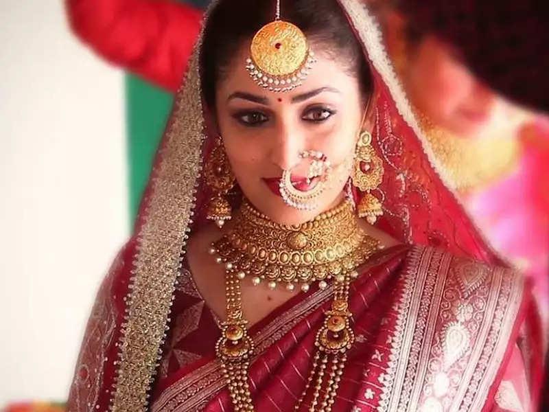 आदित्य धार के साथ अपनी शादी की लेटेस्ट तस्वीरों में यामी गौतम बेहद खूबसूरत लग रही हैं