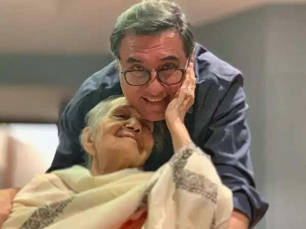 बोमन ईरानी की मां जेरबानो ईरानी का 94 साल की उम्र में निधन
