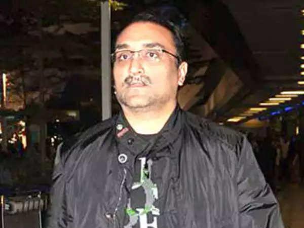 आदित्य चोपड़ा के टीकाकरण अभियान ने फिल्म उद्योग के सदस्यों में एक आशा की किरण की शुरुआत की