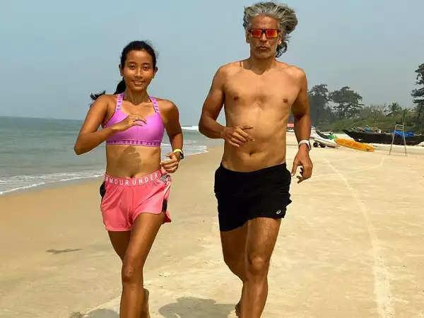 29 वर्षीय अंकिता कोंवर ने 55 वर्षीय पति मिलिंद सोमन के बीच उम्र के अंतर का जवाब दिया