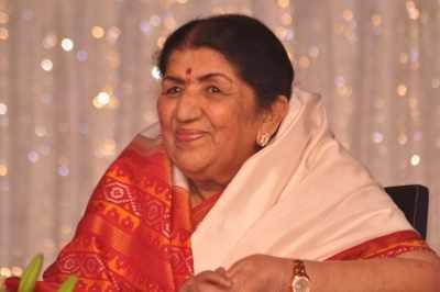 Lata Mangeshkar ने कोविड के लिए महाराष्ट्र सीएम फंड में दिये 7 लाख रुपये