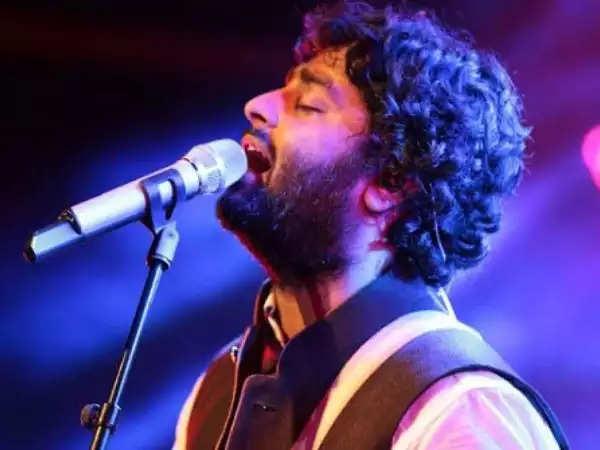अरिजीत सिंह COVID राहत के लिए धन जुटाने के लिए एक आभासी संगीत कार्यक्रम आयोजित करेंगे